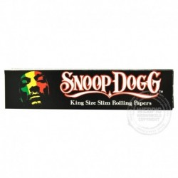 Snoop Dogg smoking paper